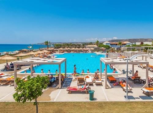 Akti Palace Hotel, Swimming pool