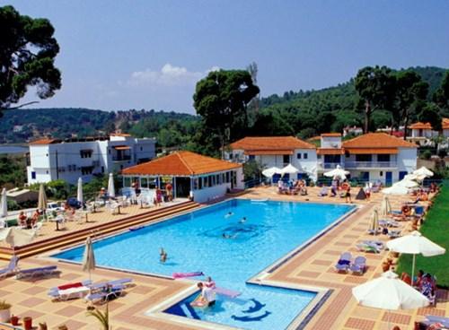 Caravos Hotel, Main