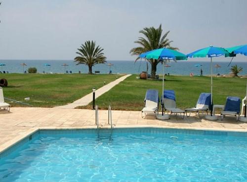 Natura Beach Hotel, Main