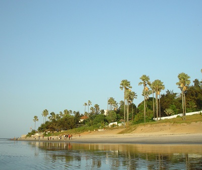 /media/28805090/shutterstock_3973609_beach-in-gambia.jpg