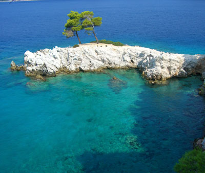 /media/9097101/skopelos_resort_image2.jpg