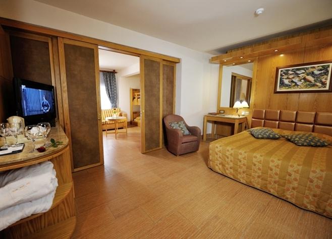 Adams Beach Hotel, Queen Suite,21305