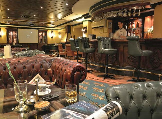 Isis Hotel, Bar,3001