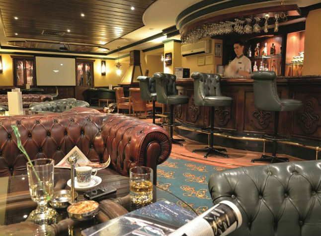 Isis Club and Club Deluxe, Bar,3000