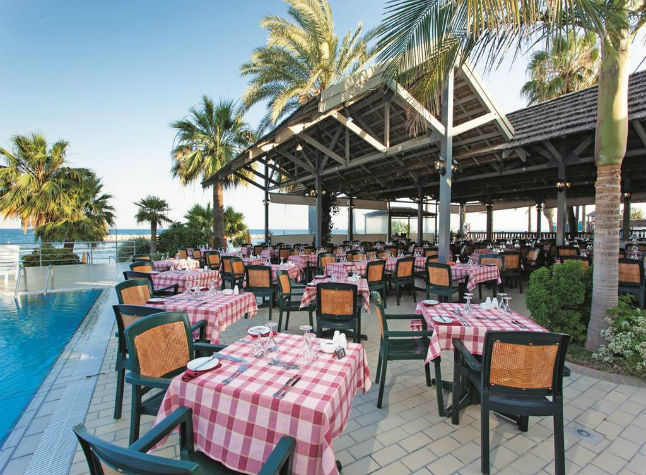 Palm Beach Hotel, Poolside restaurant,21504