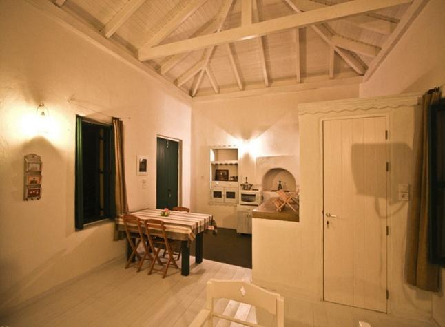 Yellow House, Kitchen area,14624