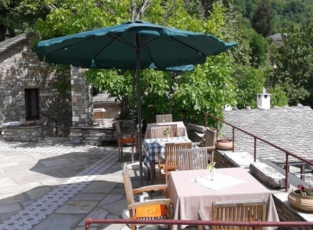 Ano Volios Hotel, Outdoor dining,371