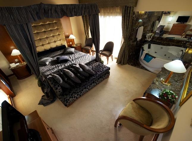 Adams Beach Hotel Deluxe Wing, Honeymoon Suite,21357