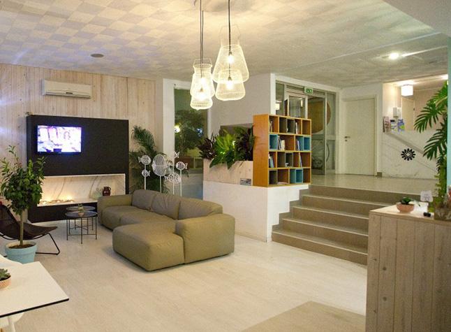 Costantiana Beach Hotel Apartments Tv Area,31806