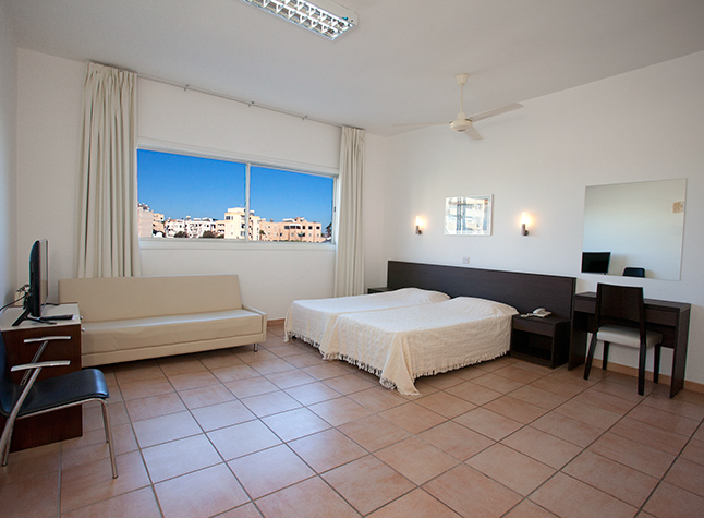 Costantiana Beach Hotel Apartments Studio,31806