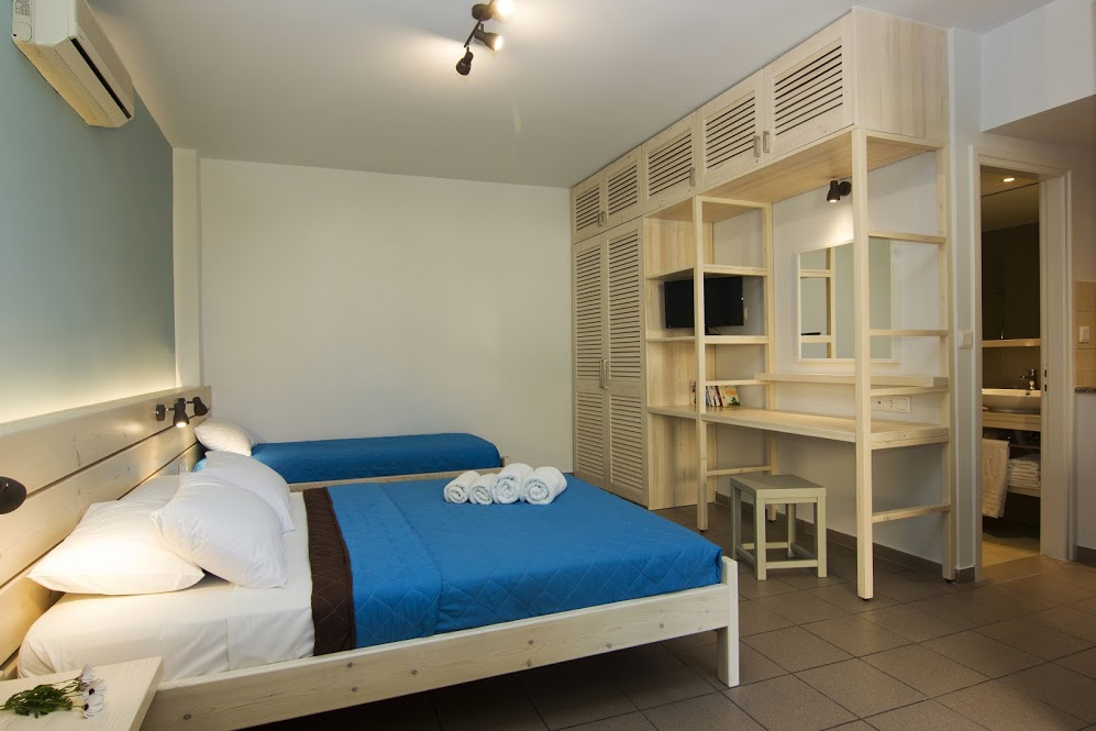 Room 1,19518