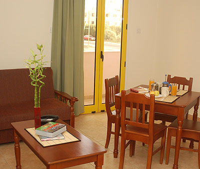 Sea n Lake Apartments, Dining area, 21505