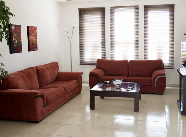 Manis Rose Apartments, Lobby seating,29507